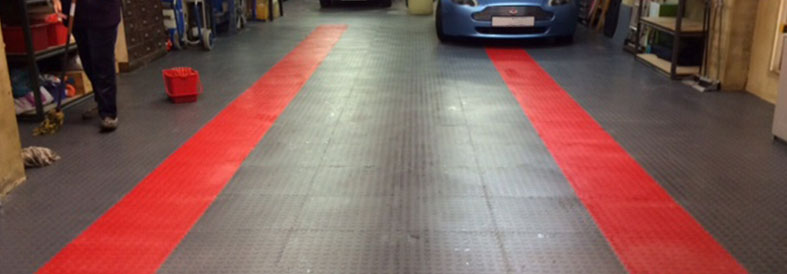 New PVC Black And Red Garage Tiles