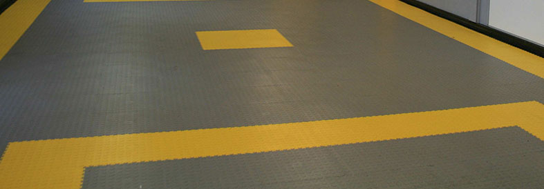 Grey and Yellow Diamond Plate Gym Flooring