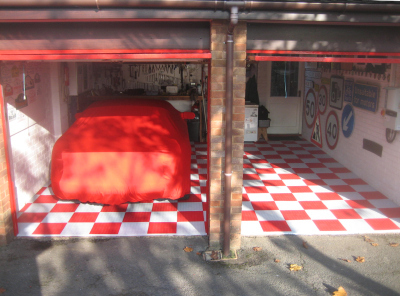 Garage makeover with Mototile interlocking floor tiles